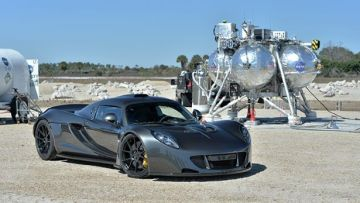 Hennessey Venom hits record 270.49mph - BBC Top Gear