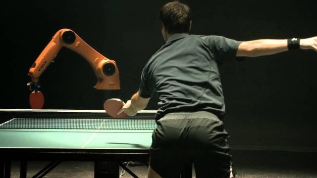 Man against KUKA Robot - wordlessTech