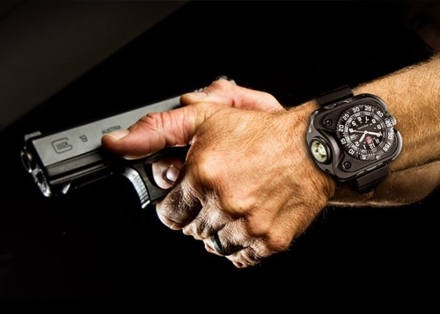 SureFire 2211 Luminox WristLight