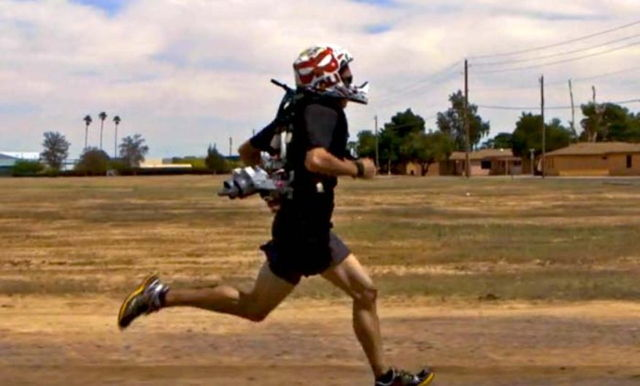 4 Minute Mile Project Supercharges Soldiers When They Run | Ubergizmo